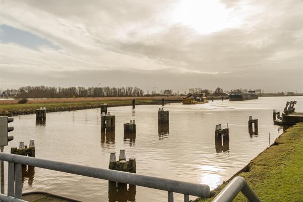 Zeesluis Farmsum. (foto Beeldbank RWS)